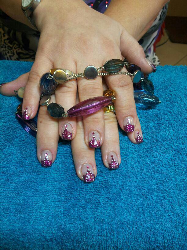 Acrylnägel violett Steinchen